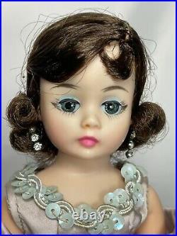 1962 Madame Alexander 9 Jacqueline Kennedy Cissette #886 Lavender Satin Gown
