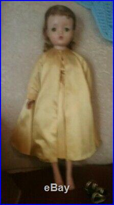 20 Vintage Madame Alexander Cissy In At The Opera Tagged Outfit. Jointed