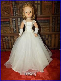 A Vintage 1950's Madame Alexander 20 Cissy Bride Doll In Original Gown