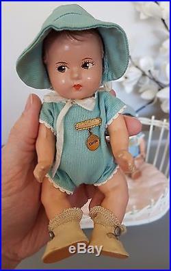 Antique Madame Alexander Dionne Quints Quintuplet Dolls WithBasket Set Bent-Legs