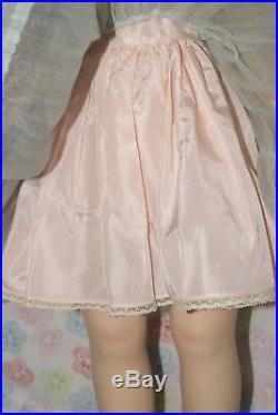 BEAUTIFUL! Vintage 24 Hard Plastic Tagged Madame Alexander Winnie Walker Doll