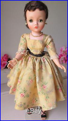Beautiful 1950'S MADAME ALEXANDER CISSY with Tagged Floral Dress
