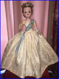 Beautiful Vintage 50s Madame Alexander Cissy 20 All Original Queen Doll