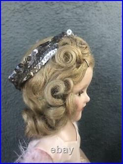 Gorgeous 18 Mint Sonja Henie Madame Alexander Doll Tagged