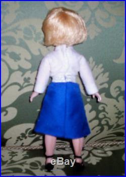 HTF MADAME ALEXANDER HIGH COLOR CISSETTE DOLL STEWARDESS With RARE BUBBLE CUT HAIR