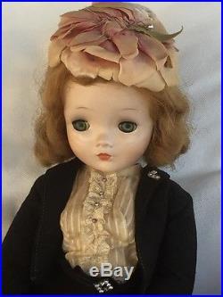 Lovely Blonde VTG 50's Madame Alexander Cissy 20 Doll Felt SuitHoseGlovesHat