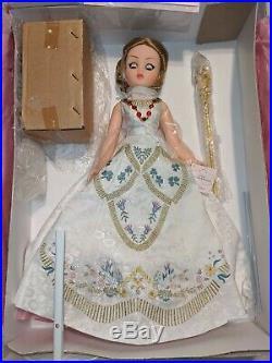 MADAME ALEXANDER 33525 QUEEN ELIZABETH RECESSIONAL CISSY 21 Doll Club NIB VTG