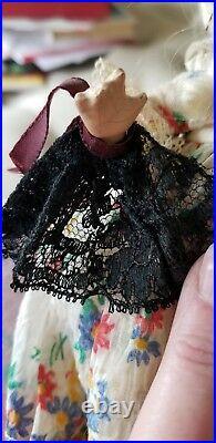 Madame Alexander 7 Tiny Betty as Colonial (Rare)