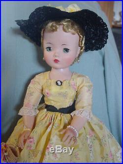 Madame Alexander Mint Vintage Cissy Doll In Crisp English Rose Taffeta Dress