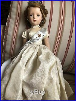 Madame Alexander Queen Elizabeth II Coronation Dress Doll