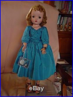 Madame Alexander Vintage Hard Plastic Cissy Doll In Rare Aqua Taffeta Dress! Vec