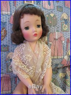 Striking Madame Alexander 1950's Brunette Cissy, No Cracks, All Original
