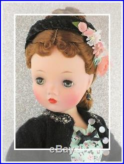 Stunning Redhead Vintage Madame Alexander Cissy Is Pretty As A Picture