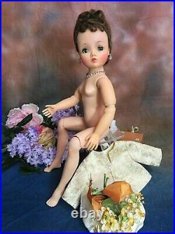 VINTAGE 1950s Madame Alexander CISSY DOLL Brunette JACKIE O DRESS gold SUIT