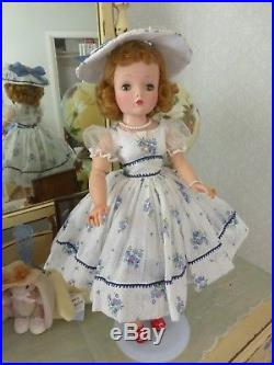 VINTAGE MADAME ALEXANDER CISSY DOLL GORGEOUS! WithOUTFITS AND ACCESSORIES