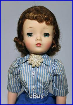 Vintage 1950s Madame Alexander Cissy Doll with outfit Nice doll