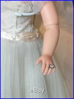 Vintage 1956 Madame Alexander 20 Cissy Medici Bride Doll Near Mint