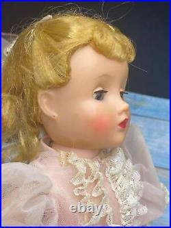 Vintage 1957 Madame Alexander Elise Doll 16 Tall