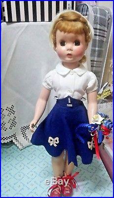 Vintage. 20 1948 Rare Madame Alexander Maggie Face Ice Skater Doll
