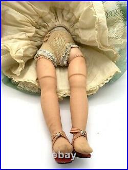 Vintage Madame Alexander 11.5 LISSY Doll In Original Tagged Green Dress