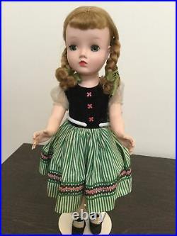 Vintage Madame Alexander 1954 Binnie Victoria doll
