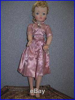 Vintage Madame Alexander 21 BLONDE CISSY Doll WITH Mauve Taffata Tagged Outfit