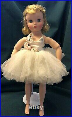Vintage Madame Alexander Elise Ballerina Doll 16 & Fantastic Doll Clothes