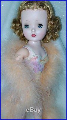 Vintage Madame Alexander Pretty Blonde Cissy Doll